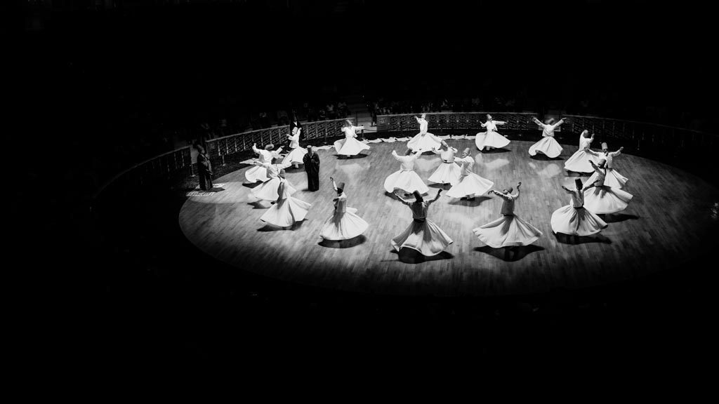 photo noir et blanc Derviches tourneurs Konya Turquie 2015